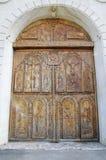 在椰树修道院,多布罗加,罗马尼亚的木门 库存图片