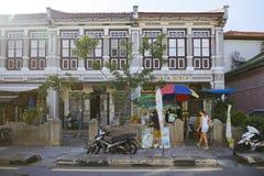 在槟榔岛佳能街,马来西亚的老建筑学样式大厦 免版税图库摄影