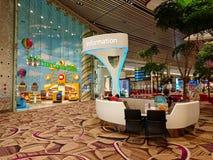 在樟宜机场新加坡T4的信息柜台 库存图片
