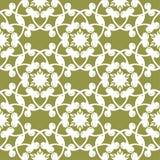 在橄榄绿背景的白色花卉无缝的样式 免版税图库摄影