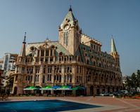 在欧洲广场的美丽的大厦在巴统,乔治亚 免版税库存照片