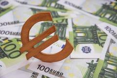 在欧洲欧洲钞票的木标志 图库摄影