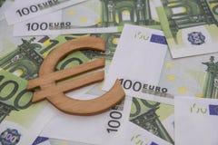 在欧洲欧洲钞票的木标志 库存照片