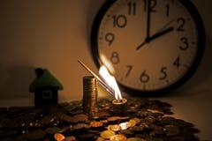 在欧洲硬币的灼烧的比赛 免版税库存照片