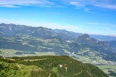 在欧洲阿尔卑斯的全景视图 库存图片