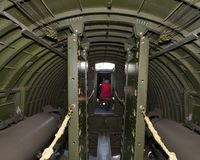 在欧洲飞行的B-17G WW II轰炸机 图库摄影