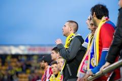 在欧罗巴同盟半决赛的支持者在比亚雷亚尔锎和利物浦足球俱乐部之间 免版税图库摄影