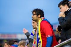 在欧罗巴同盟半决赛的支持者在比亚雷亚尔锎和利物浦足球俱乐部之间 库存照片