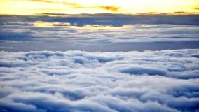 在欧罗巴云彩的空中飞行在日出 影视素材