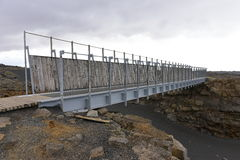 在欧洲和北美大陆之间的桥梁在冰岛 免版税库存图片
