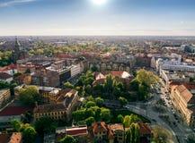 在欧洲城市的日落光 免版税库存照片