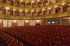 在歌剧夜期间,克罗地亚国家戏院 免版税库存图片