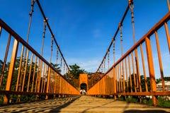在歌曲河, vang vieng,老挝的桥梁 免版税图库摄影