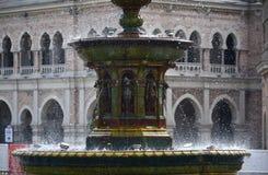 在正方形的喷泉 免版税图库摄影