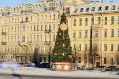 在正方形的圣诞树 免版税库存图片