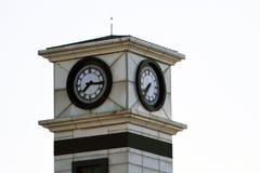 在正方形的钟楼身分,展示7 15 免版税库存照片