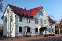在残暴的人普遍的疗养地的历史建筑  库存图片
