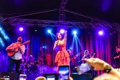 在每年金黄扣子音乐节的Goksel在Cinarcik镇-土耳其 库存照片