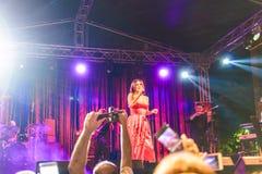 在每年金黄扣子音乐节的Goksel在Cinarcik镇-土耳其 免版税库存照片