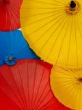 在每年Lumpini文化节日的五颜六色的伞 库存照片