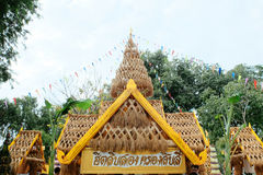 在每年Lumpini文化节日的独特的草装饰 库存照片