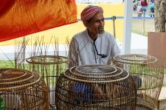 在每年Lumpini文化节日的鸟笼制造商 免版税图库摄影