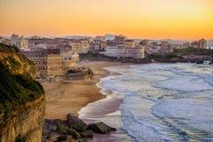 在比亚利兹的日落靠岸,法国,大西洋海岸 图库摄影