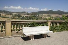 在比博纳,托斯卡纳,意大利的观察画廊 免版税库存图片