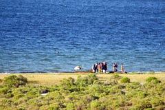 在比莱尼盐水湖的日常生活在莫桑比克 免版税库存照片