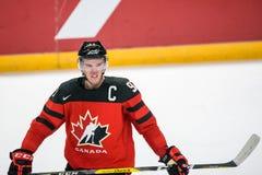 在比赛期间的康纳McDavid,在队拉脱维亚和队加拿大之间 免版税图库摄影