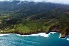 在毛伊海岛的海岸的和平的海浪在夏威夷 免版税库存照片