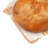 在毛巾的面包 免版税库存图片