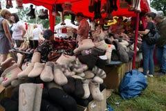 在毛毡起动的公平交易在亭子,音乐和工艺西伯利亚` `世界每年Intl节日的时期的  库存照片