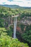 在毛里求斯海岛上的Chamarel瀑布 免版税库存图片