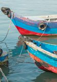 在氏族跳船的木小船在乔治城, Pulau槟榔岛,马来西亚 免版税图库摄影