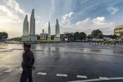 在民主纪念碑的闭合的路 免版税库存图片