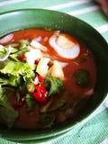 在气味强烈的鱼小汤的阿萨姆邦Laksa头 免版税库存照片