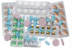 在气泡塑料包装的许多不同的药片 免版税库存图片
