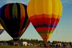 在气球节日的日出 免版税库存照片