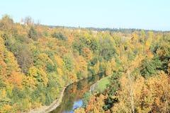 在水坝Rimov下的谷 库存照片