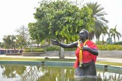 在水池的Phisuea Samut大雕象 库存照片