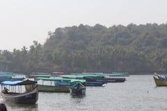 在水的小船 免版税库存照片