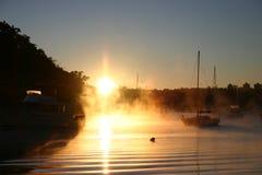 在水的烟或雾 免版税库存照片
