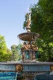 在汉堡,德国街道的喷泉  免版税库存图片