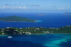 在汉斯Lollik少许USVI的一个看法和GreatTobago BVI,从ST的Jost范Dyke BVI海岛 托马斯远景点 免版税库存照片