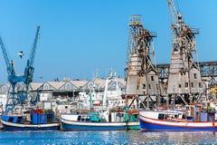 在江边的港口在开普敦 免版税库存照片