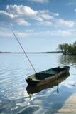 在池塘Rozmberk的渔船 免版税库存照片