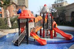 在池的儿童游戏区 免版税库存照片