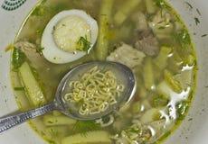 在汤的细面条 免版税库存照片