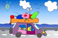 在汽车传染媒介例证的动画片滑稽的家庭旅行 免版税库存照片